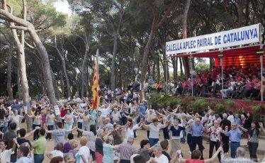 Фестиваль сарданы в Калелье (Испания)