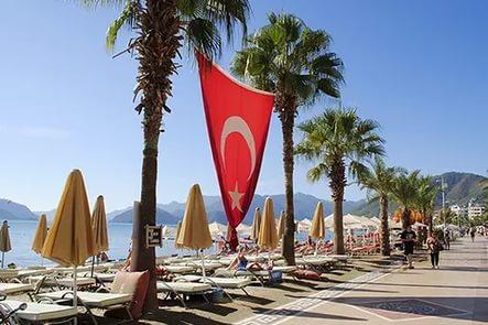 Турция снижает цены на отели на 50% для россиян в 2017 году